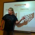 Erik Solfjell foreleser om anatomi.